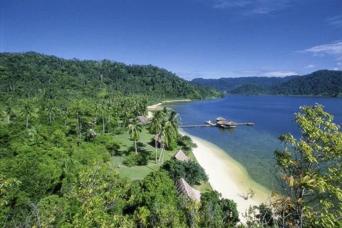 12 Hotel Tepi Pantai Terbaik di Indonesia - Cubadak Paradiso Village