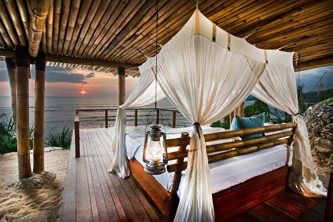 12 Hotel Tepi Pantai Terbaik di Indonesia - Nihiwatu