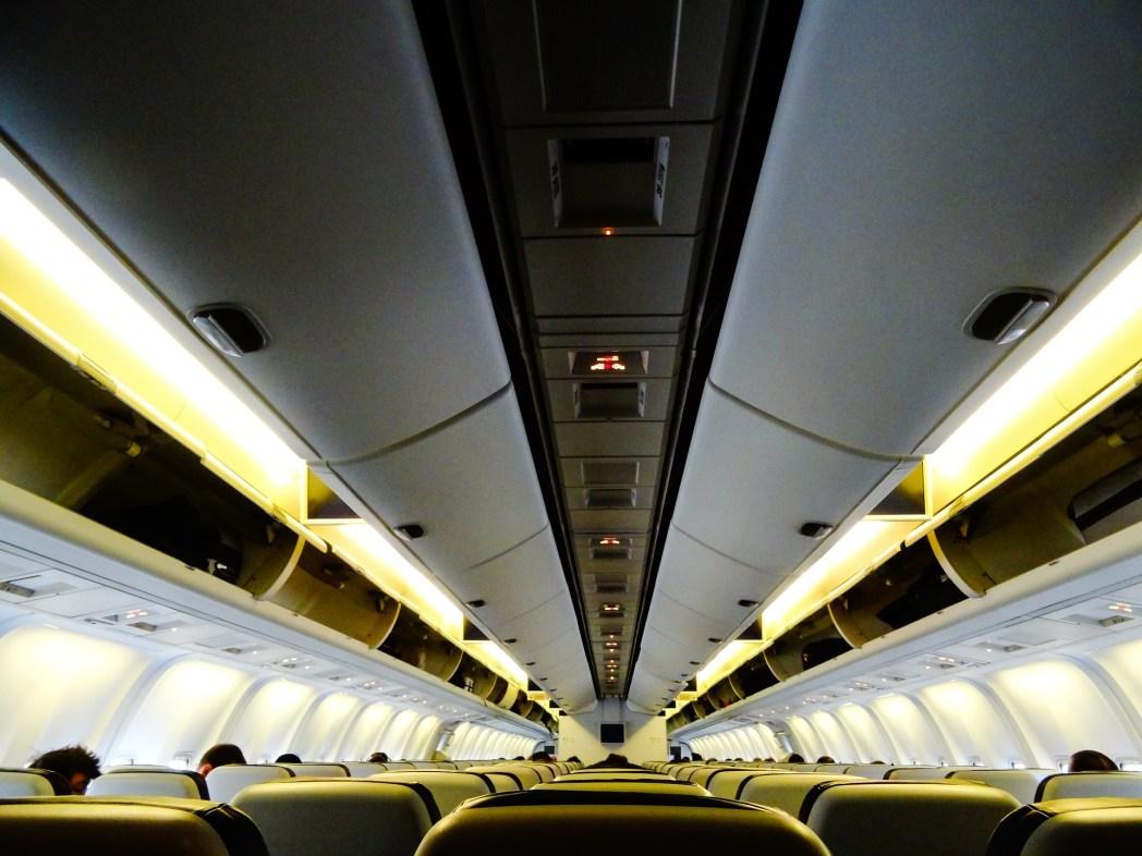 Maskapai melakukan overbooking untuk menghindari kursi kosong dalam penerbangan