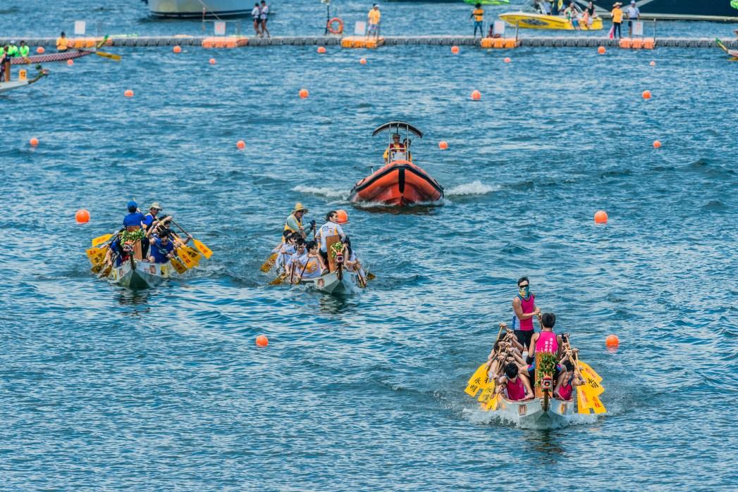 Dragon Boats Festival di Stanley Beach, Hong Kong.