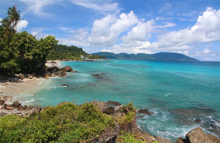 pantai-kasih-pulau-weh-sabang-banda-aceh-sumatera-indonesia-skyscanner
