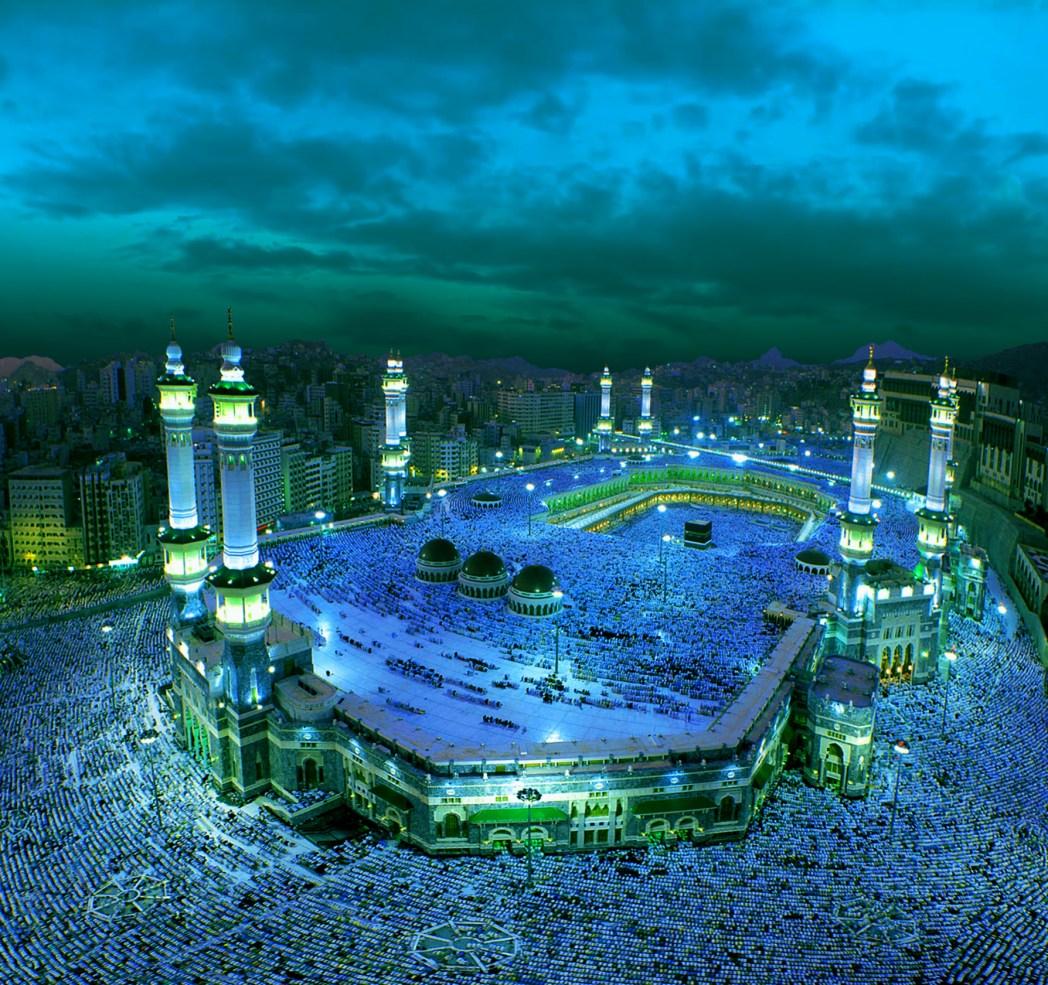Suasana malam di Ka'bah, Mekkah