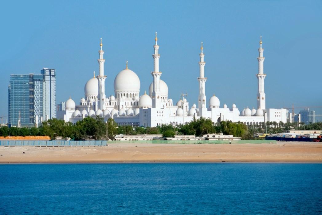 Masjid Sheikh Zayed, salah satu landmark di Abu Dhabi